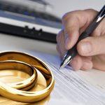 Ai có quyền nộp đơn ly hôn
