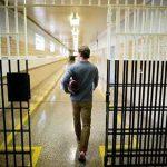 Luật sư tư vấn hoãn chấp hành hình phạt tù
